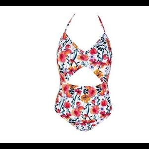 5db159f954f NEW Hula Honey One Piece Floral Swimsuit Small